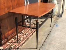 Tavolino basso usato a Treviso