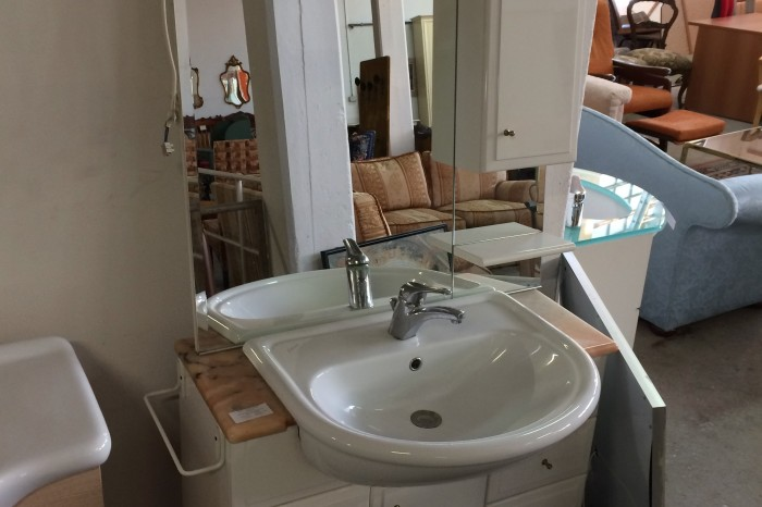 Mobile bagno con specchio usato a Treviso - Portobello Vintage