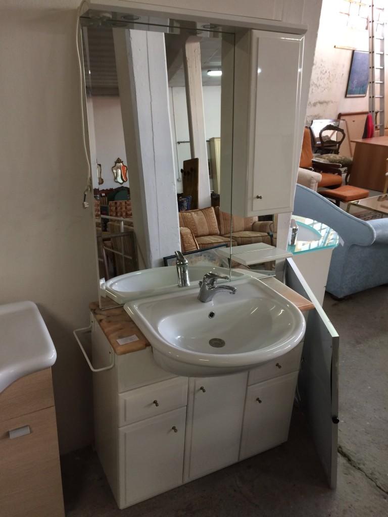 Mobile bagno con specchio usato a treviso portobello vintage for Mobile bagno usato