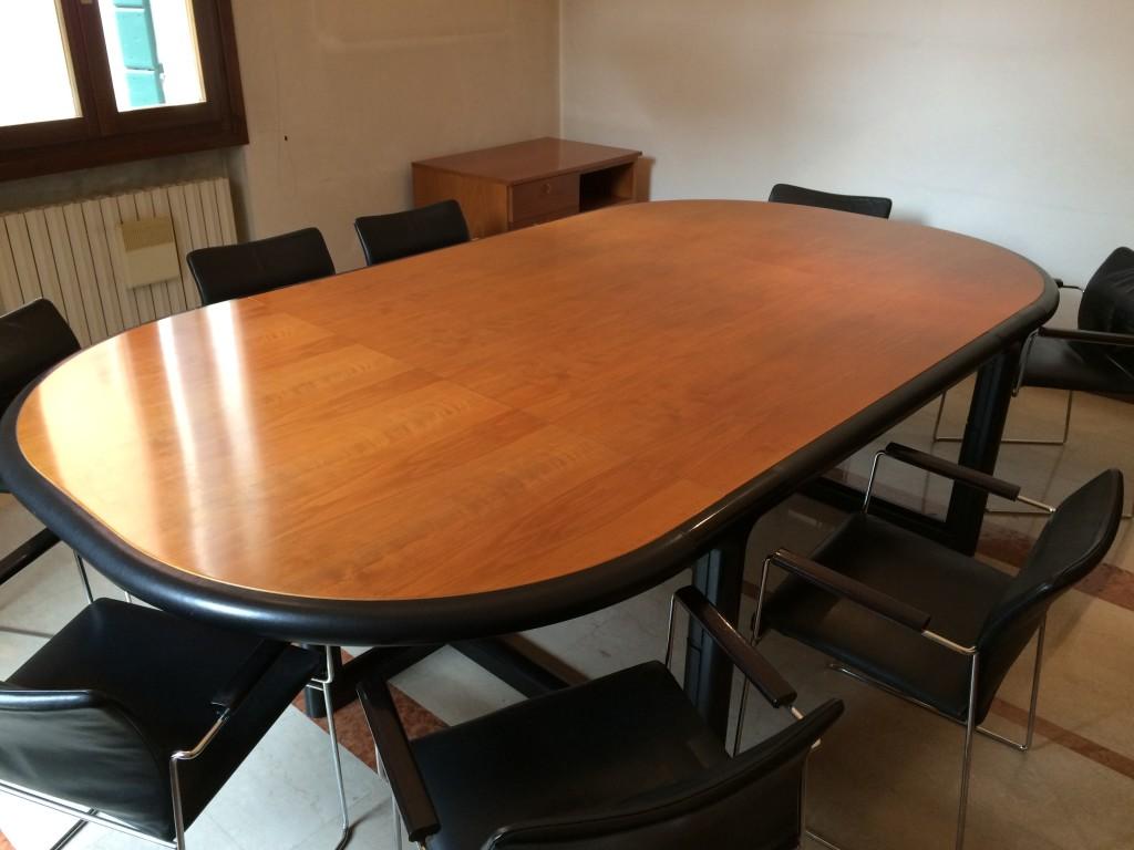 Tavolo da riunioni usato a treviso portobello vintage - Tavolo da falegname usato ...