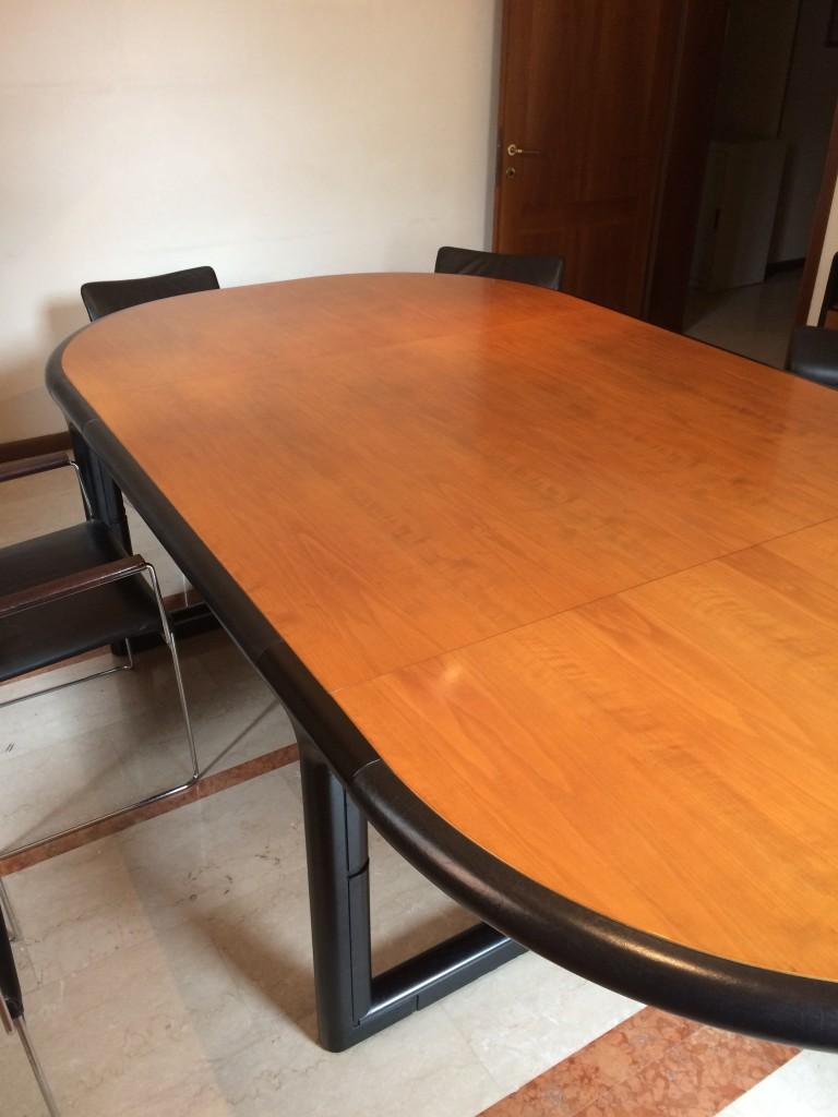 Tavolo riunioni usato sala da pranzo in stile di filipa cunha interiores jpg tavolo riunione - Tavolo cristallo rettangolare usato ...