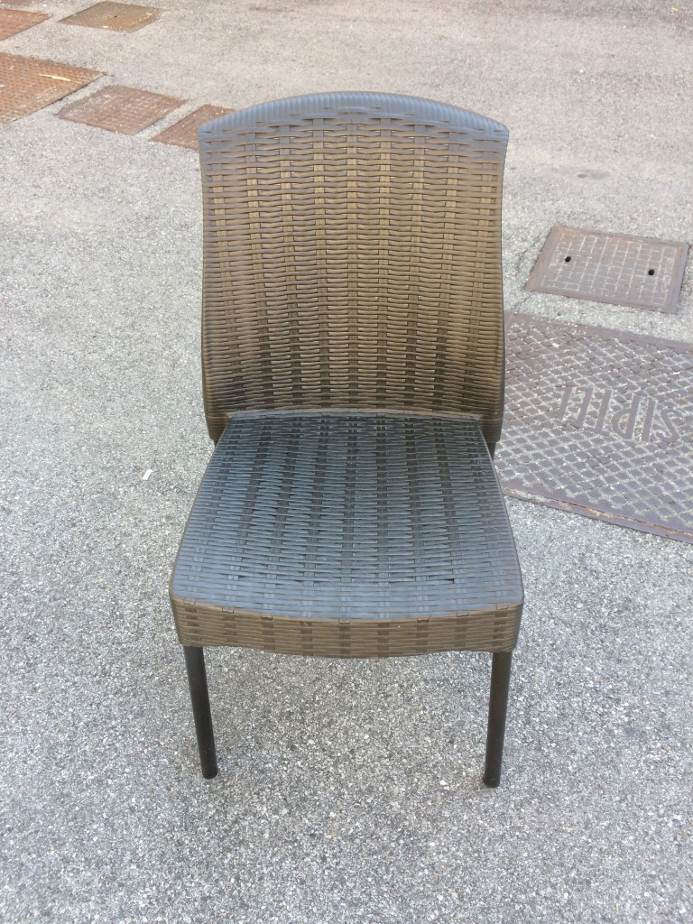 Sedie in plastica da esterno usate a Treviso - Portobello Vintage 6c0832afa9d