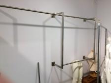 Porta abiti in acciaio usato a Treviso